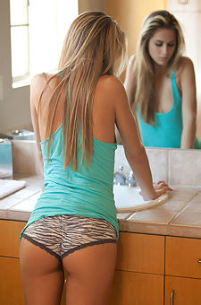 Cassidy Cole In Bathroom