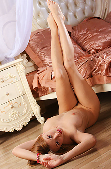 Naked Tara L