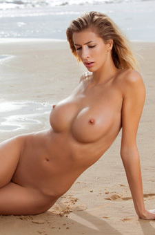 Sexy Claudia Walking Nude On The Beach