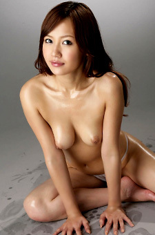 Oiled Nana Konishi